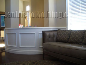 round paneling/wainscoting